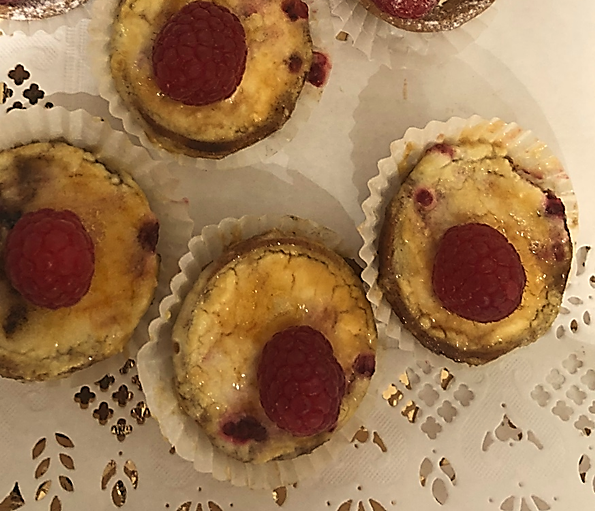 Sunburn with chiboust cream with raspberry sparkle - Bakeronline